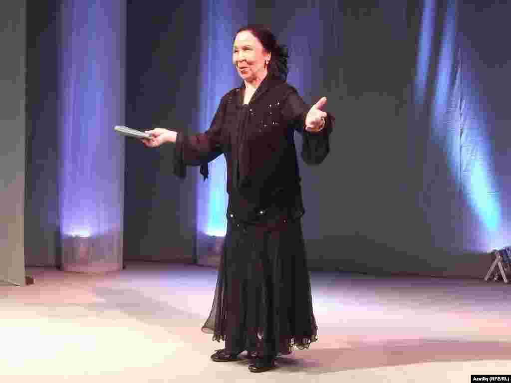 Русиянең атказанган, Башкортстанның һәм Татарстанның халык артисткасы Сәвия Сираева