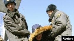 Разгон экологического митинга в Иркутске. 20 марта 2010 г