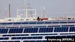 Солнечная электростанция в селе Охотниково, Сакский район Крыма, 2011 год