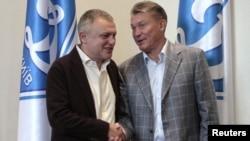 Президент «Динамо» Ігор Суркіс (ліворуч) стверджує, що справжню команду Блохіна уболівальники побчать лише тепер