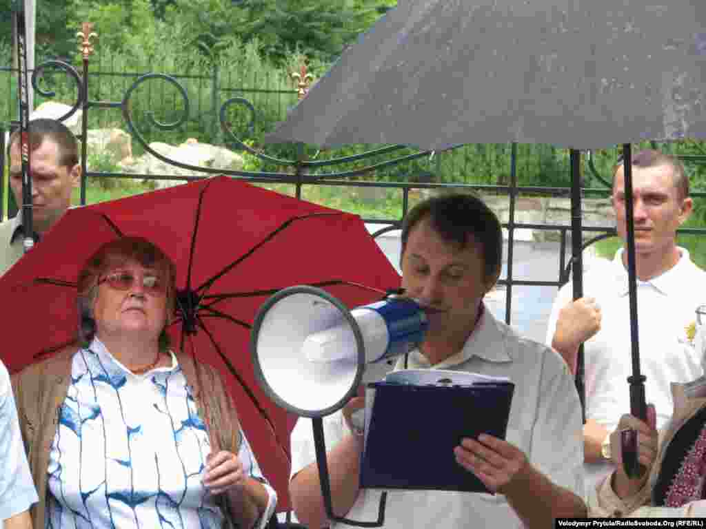 Організатор акції проти мовного закону, голова громадської організації «Український дім» Андрій Щекун із Бахчисарая.