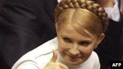 Новый премьер Украины празднует победу