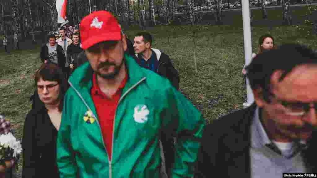 Арганізатары шэсьця Вольга Кавалькова, Дзьмітры Кучук і Вячаслаў Сіўчык прыйшлі на акцыю, якую саміадмянілінапярэдадні.