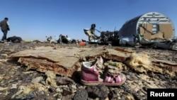 Եգիպտոս - Կործանված A321-ի բեկորները և ուղևորների ցաքուցրիվ եղած իրերը, 1-ը նոյեմբերի, 2015թ․