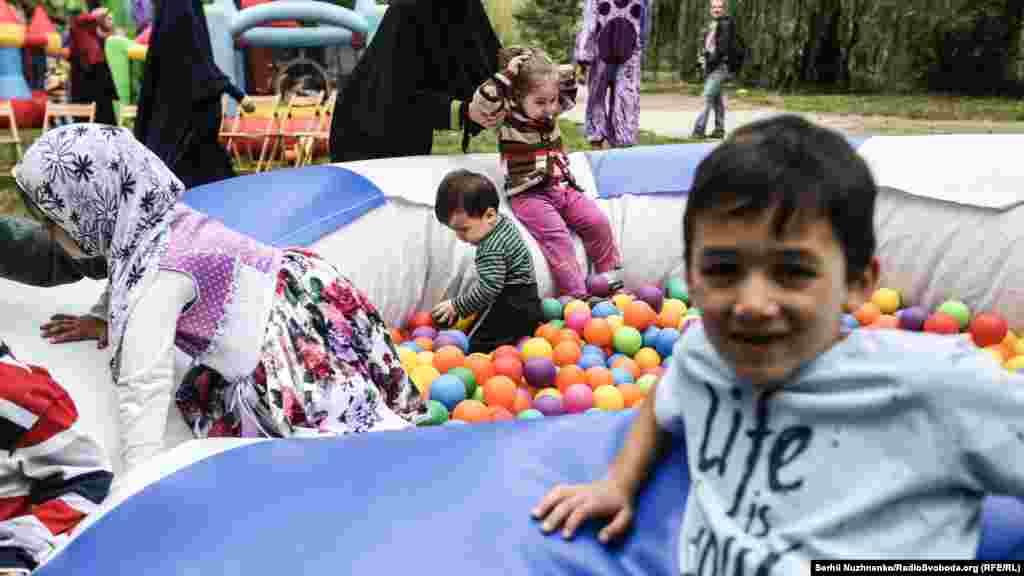 Для дітей відкрили велику ігрову зону