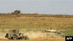 حماس تهديد کرده است که حملات بيشتری را به گذرگاه های مرزی انجام خواهد داد. عکس از AFP
