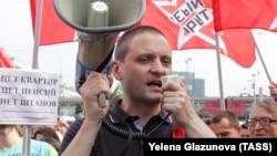 Сергій Удальцов на мітингу проти пенсійної реформи