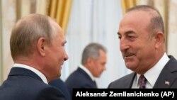 До посещения Казани глава МИД Турции встретился с российским президентом