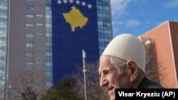 Pokušaji da se ukine Specijalni sud za ratne zločine krajem decembra bili su ozbiljno zabrinjavajući, navodi Evropska komisija (na fotografiji zgrada Vlade Kosova)