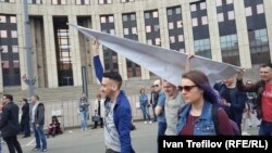 Участники акции против блокировки Telegram в Москве
