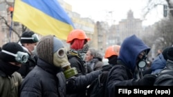 Ukrainada hökümete garşy protestler dowam edýär
