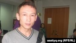 Асылбек Куздебаев, посетитель ярмарки вакансий. Алматы, 17 апреля 2014 года.