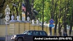 3 травня 2008 року, Мінськ, дипломати США залишають Білорусь