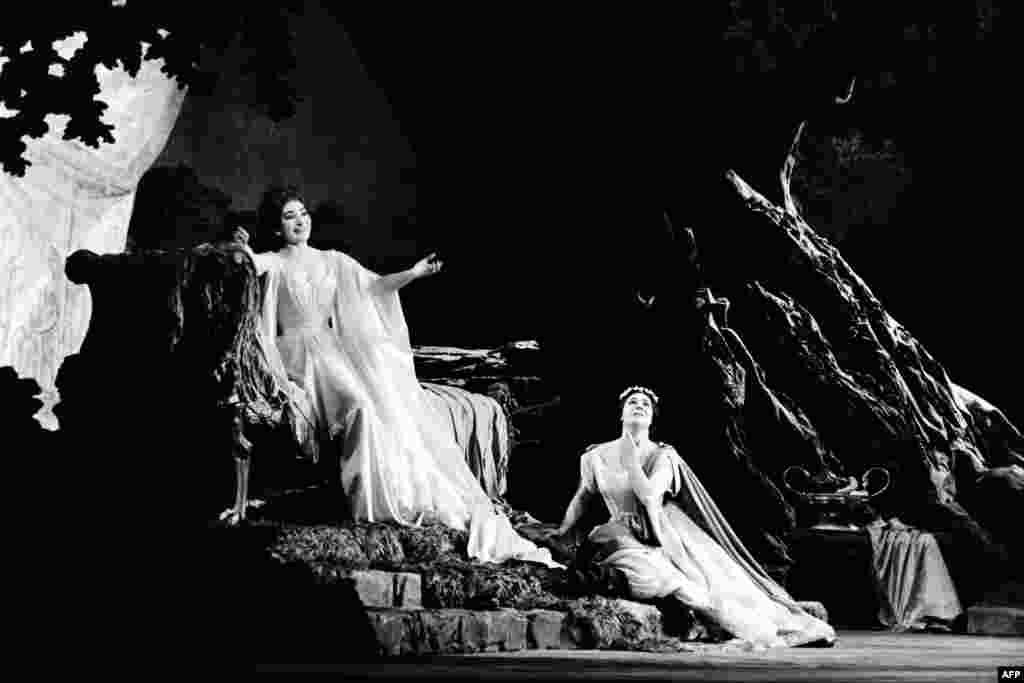 """Callas performing with mezzo-soprano Giulietta Simionatoin the Bellini opera """"Norma,"""" in Paris on May 23, 1964"""