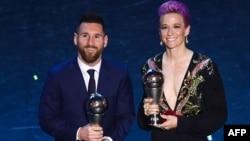 مگان راپینو و لیونل مسی در مراسم دریافت جایزه فیفا ۲۰۱۹
