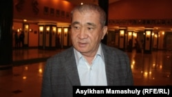 Жазушы, драматург Серік Асылбекұлы. Алматы, 9 желтоқсан 2015 жыл.