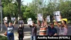 Mayın 27-də bir qrup azərbaycanlı Tbilisidə etiraz aksiyası keçirib