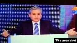 """Заместитель председателя пропрезидентской партии """"Адилет"""" Уалихан Кайсаров. Алматы, 12 января 2012 года."""