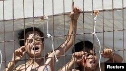 Сириски деца во кампот за бегалци во турскиот пограничен град во провинцијата Хатај