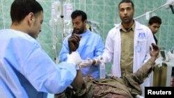 Один из раненых в госпитале города Адждабия