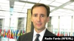 آلن ایر، سخنگوی فارسیزبان وزارت امور خارجه آمریکا.