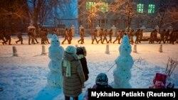 Начная зачыстка ў Кіеве вачыма замежных фотакарэспандэнтаў