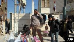عدد من أهالي الفلوجة الذين نزحوا إلى كربلاء - 9 كانون الثاني 2014