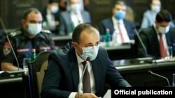 Министр здравоохранения Арсен Торосян на заседании правительства (архив)