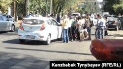 Жол апаты. Алматы, 26 қыркүйек 2013 жыл. (Көрнекі сурет).