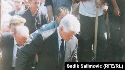 Bill Clinton na otvaranju Memorijalnog centra Potočari