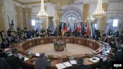 Заявление G8 по Ближнему Востоку - это призыв в общем виде, считают эксперты