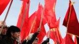 27-февраль: Ала-Букада ЖК депутаты Исхак Пирматовго козголгон кылмыш ишке каршы топ нааразылык акциясына чыкты.