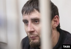 Заур Дадаев, предполагаемый исполнитель убийства, в суде Москвы