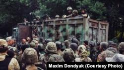 Бойцы батальона «Донбас» перед первым штурмом города Иловайск. Август 2014 года