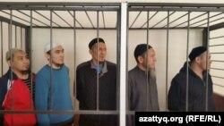 Сот залындағы «Таблиғи жамағат» мүшелері. Астана, 17 ақпан 2016 жыл.