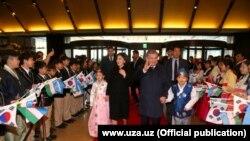 Президент Мирзиёевнинг Кореяда кутиб олиниши.