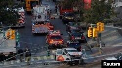 На месте нападения в Нью-Йорке.