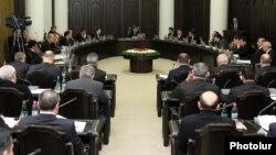 Armenia - Prime Minister Tigran Sarkisian chairs a cabinet meeting, 15Mar2012.