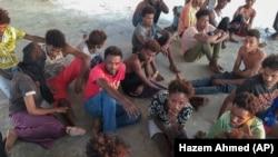 O parte dintre migranții salvați din largul Mării Mediterane au ajuns pe coastele Libiei, iar alții au ajuns pe insula Lampedusa, așteptând avizul de intrare al autorităților italiene