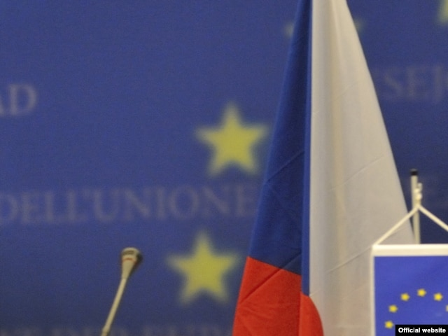 Власти Польши и Чехии намерены потребовать от российского МИДа разъяснений в связи с внесением политиков этих стран в