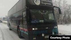 Автобус Донецк – Москва на трассе Донецк – Луганск (фото автора)