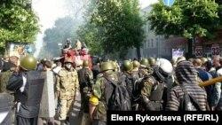دریباسوفسکایا؛ خیابانی که نخستین درگیریها در آن رخ داده است