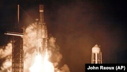 SpaceX компаниясының Falcon 9 зымыраны ғарышқа ұшырылған сәт. Көрнекі сурет.
