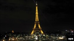 The lights on the Eiffel Tower will go out.