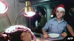 Кому война, а кому и казенный жареный бок на Рождество. Авианосец «Теодор Рузвельт» в походе