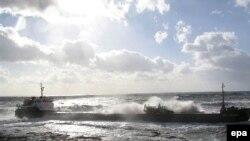 Среди потерпевших крушение в Керченском проливе - два сухогруза с серой и танкер с мазутом
