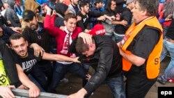 Ciocniri între suporterii Liverpool și Sevilla