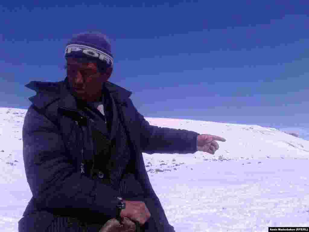 Элдин малын баккан Жыргалбек Абышов жаратылыш кырсыгына мал-жанды чогултуп, Түп районунун аймагындагы Турук жайлоосуна көчүп бараткан жолдо туш болду.
