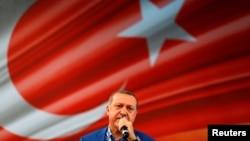 رئیسجمهور ترکیه میگوید که هیچ کشوری به تنهایی از پس بحران مهاجران بر نمیآید.