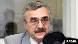 Российский политолог Владимир Жарихин